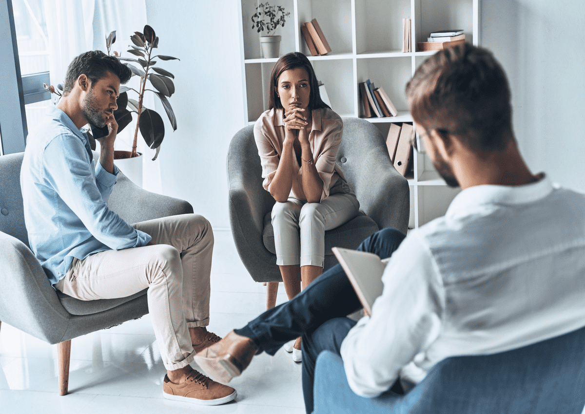 almost divorced young married couple Истории: После развода я стала жить, а не выживать