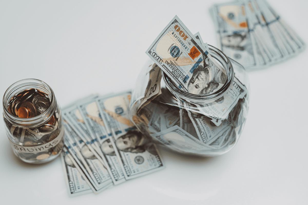 Доллары в копилке