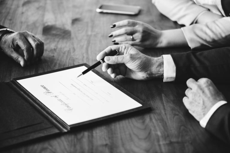 Подписание свидетельства о разводе